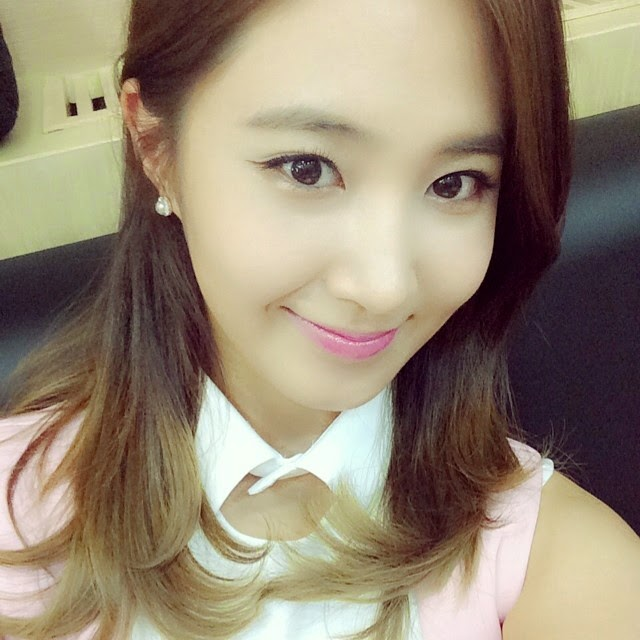 snsds pretty yuri greets fans with her latest photo