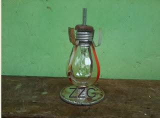 lampu minyak dari bohlam bekas