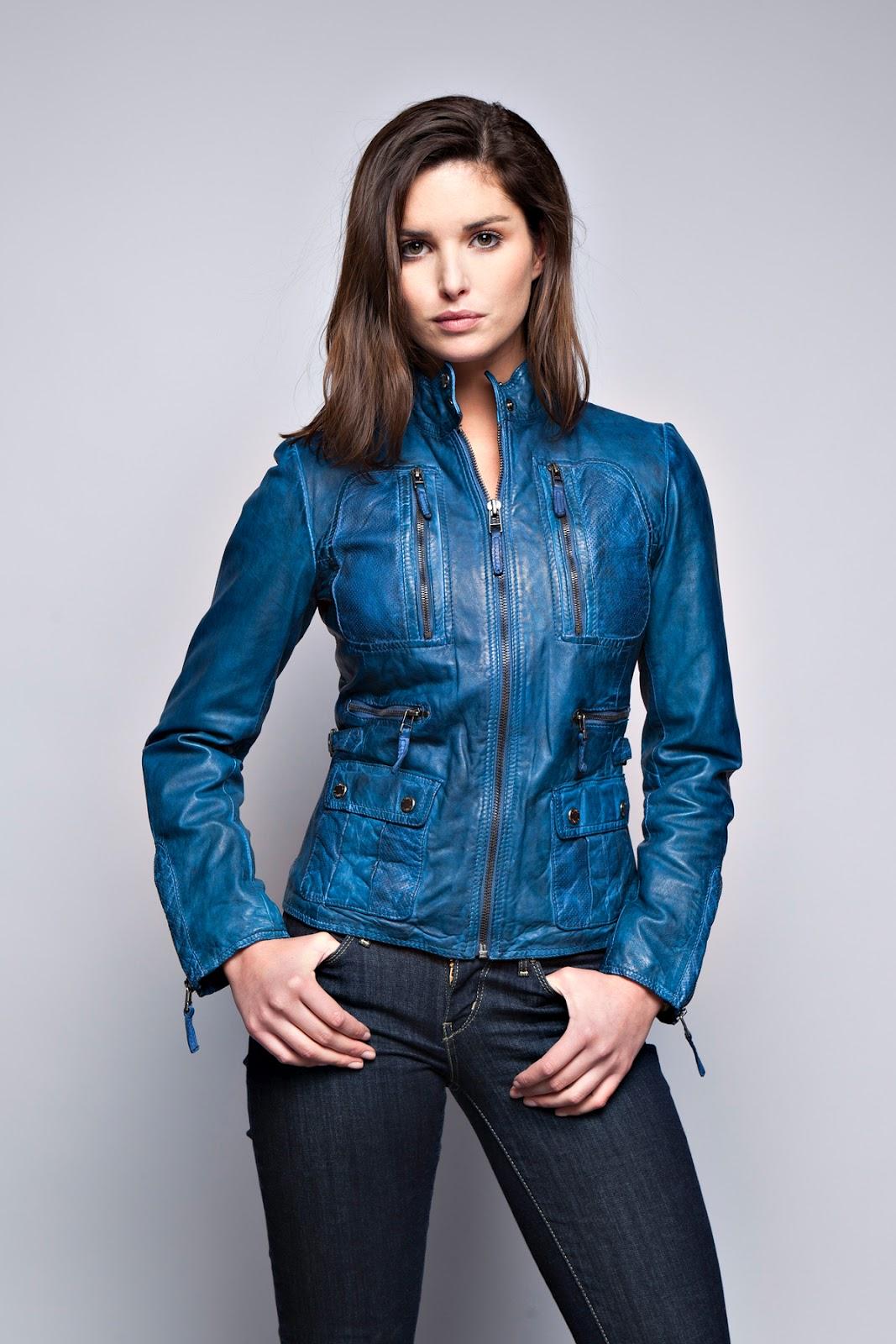Veste en cuir bleu pour femme