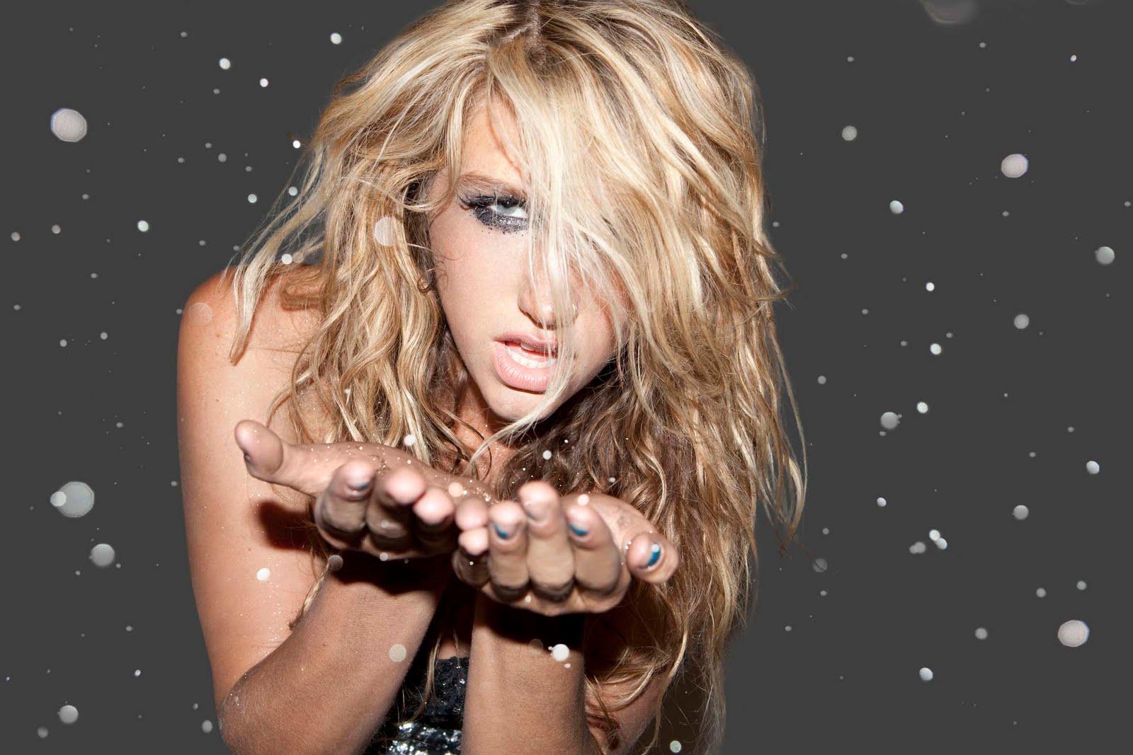 http://4.bp.blogspot.com/-NCFcfcyb9Jg/TiHDqwfpFFI/AAAAAAAAA3A/Ot6fuq-bSyM/s1600/Kesha_Glitter.jpg