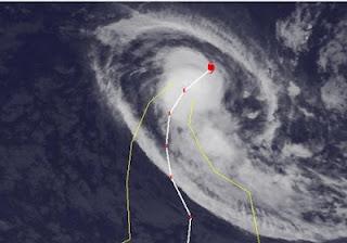 Zyklon KOJI-JONI kriegt die Kurve, Koji, Joni, Satellitenbild Satellitenbilder, aktuell, März, 2012, Indischer Ozean Indik, Zyklonsaison Südwest-Indik,
