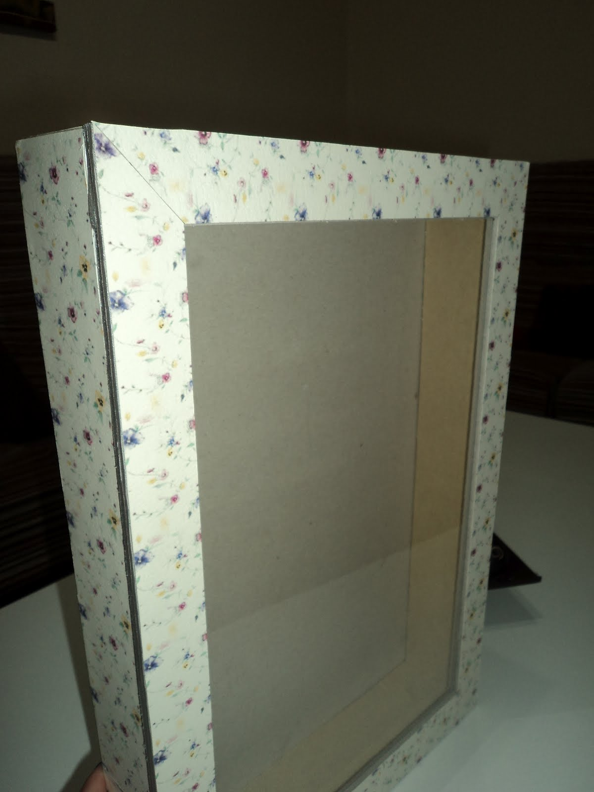 Mis manualidades y cocina vitrina para perfumes en - Vitrinas para miniaturas ...