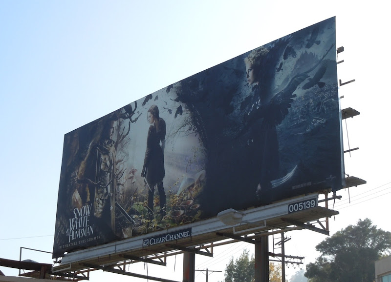 Snow White and the Huntsman teaser billboard