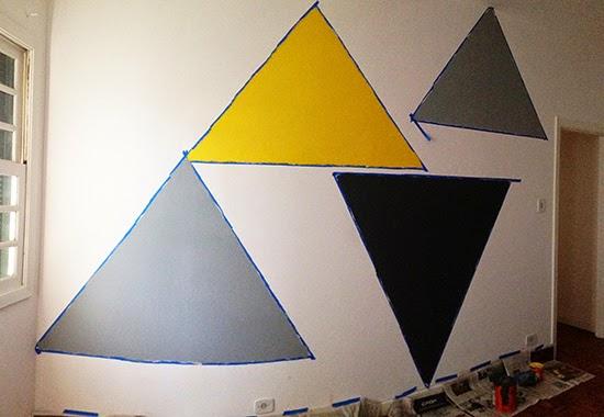parede com triângulos
