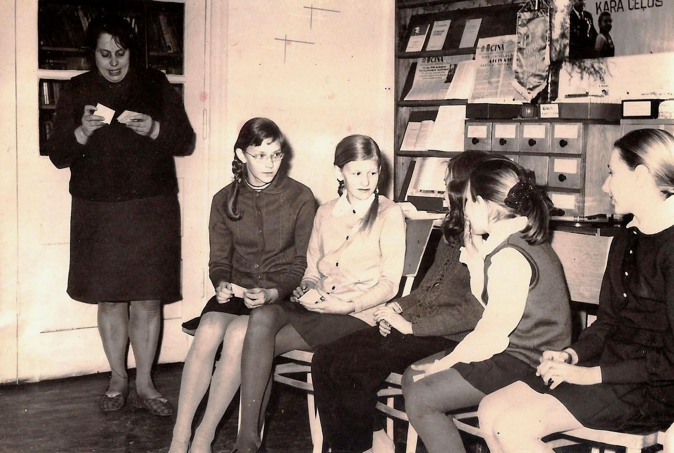 Pasākums skolēniem bibliotēkā ( 1970-tie gadi ) - 1