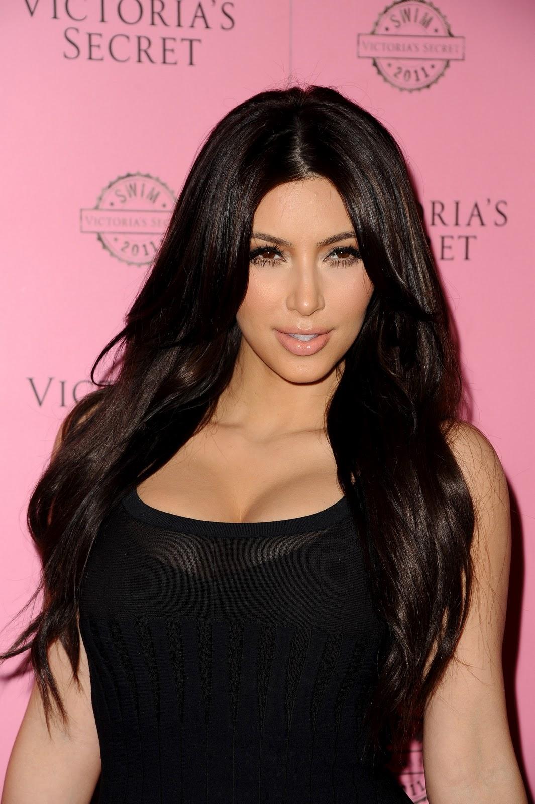 Kim Kardashiancronicassico Tropicas