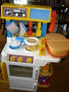 Kerry 39 s habitat nostalgia playing toys from my childhood for Playskool kitchen set