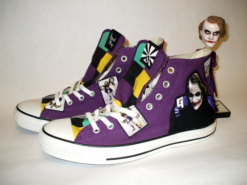 http://4.bp.blogspot.com/-ND1JZHCPHAc/ThC3ll4bM6I/AAAAAAAAAD4/lTVETpSl0FA/s1600/Converse+inspired+by+Joker.jpg