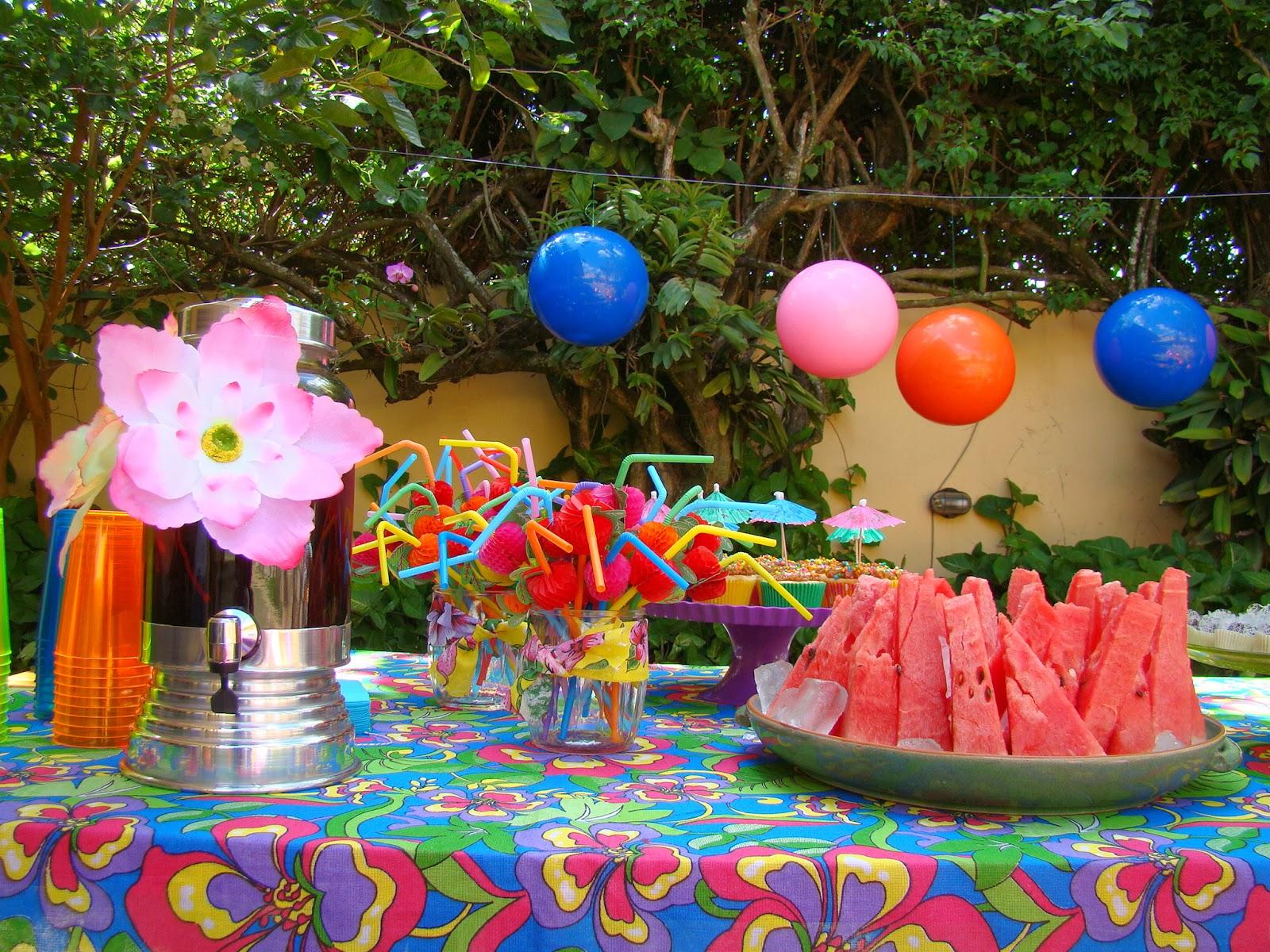 Cantando de gallo pool party da lola 5 anos for Piscina party