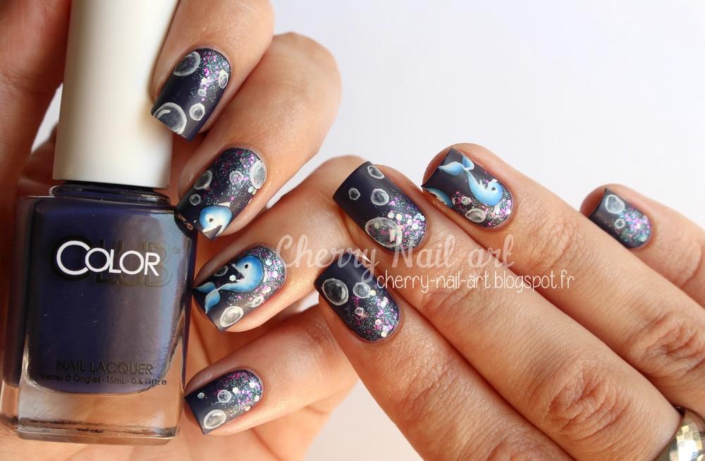 nail art dauphin au one stroke, bulles et paillettes