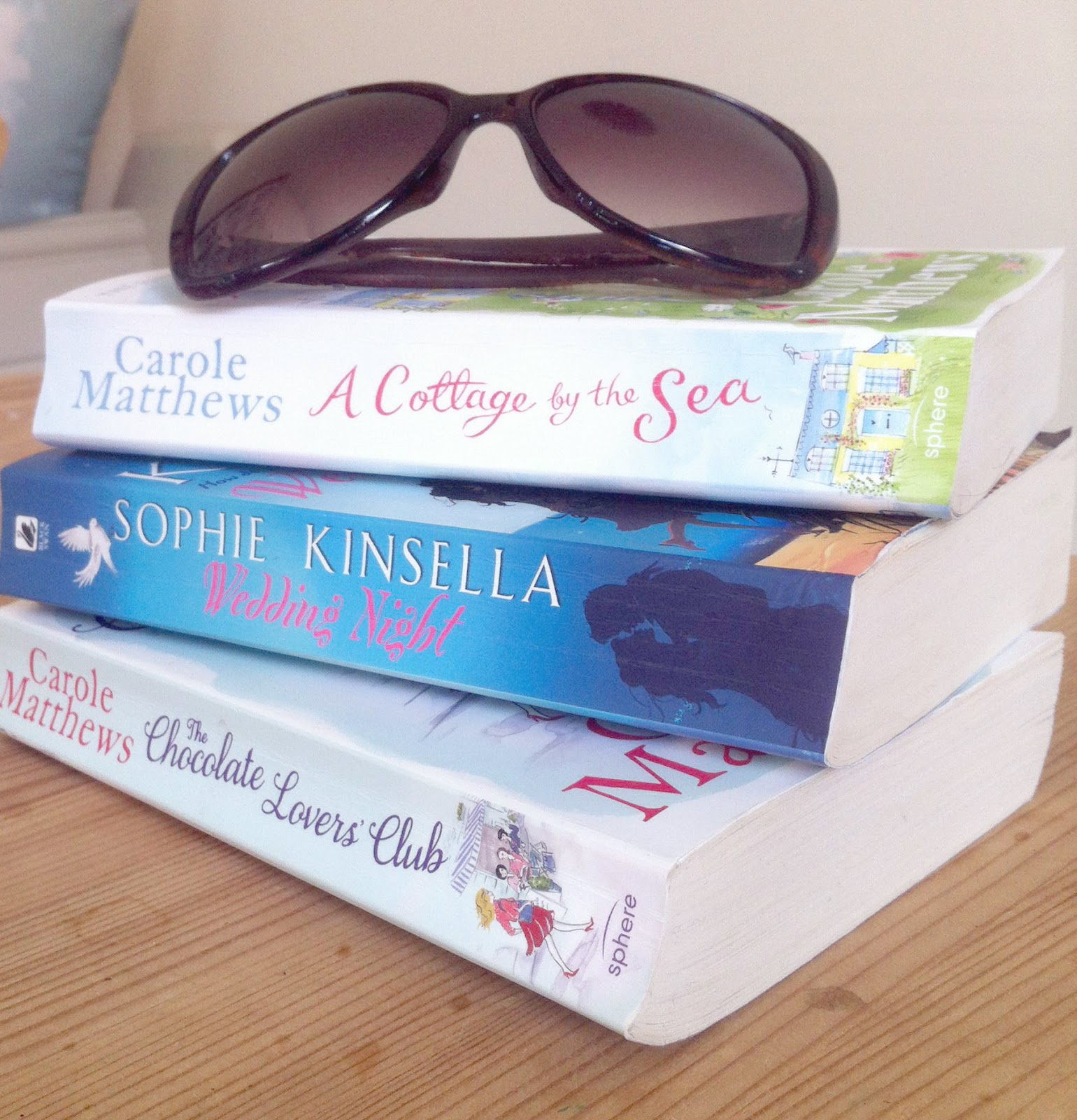 Summer Reads by The Claire Diaries UK weight loss Fitness and Lifestyle Blog
