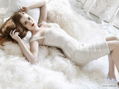 winter white boudoir photo shoot
