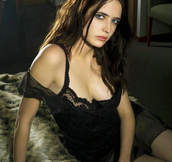 Hollywood actress Eva ... Eva Green Height
