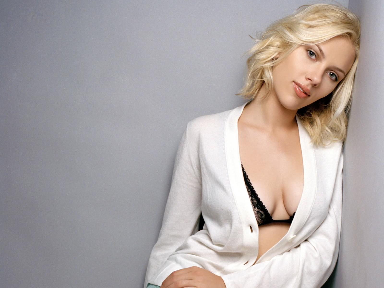 http://4.bp.blogspot.com/-ND_tT5hyOHU/T-Pe8_rz2tI/AAAAAAAADMc/MeRHiexdf-A/s1600/Scarlett+Johansson+02.jpg