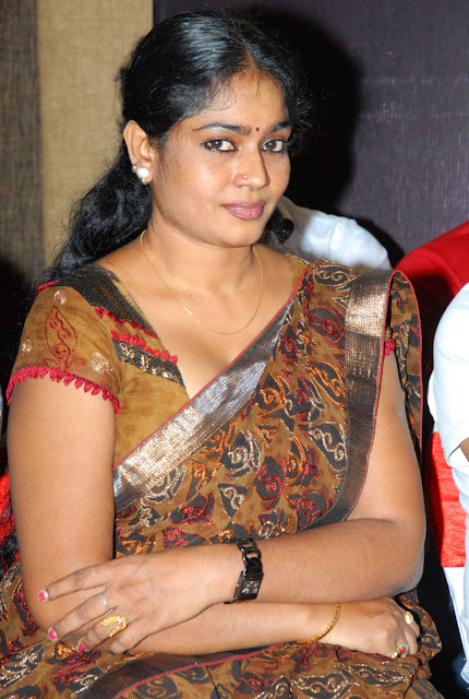 Hot Aunty jayavani photos
