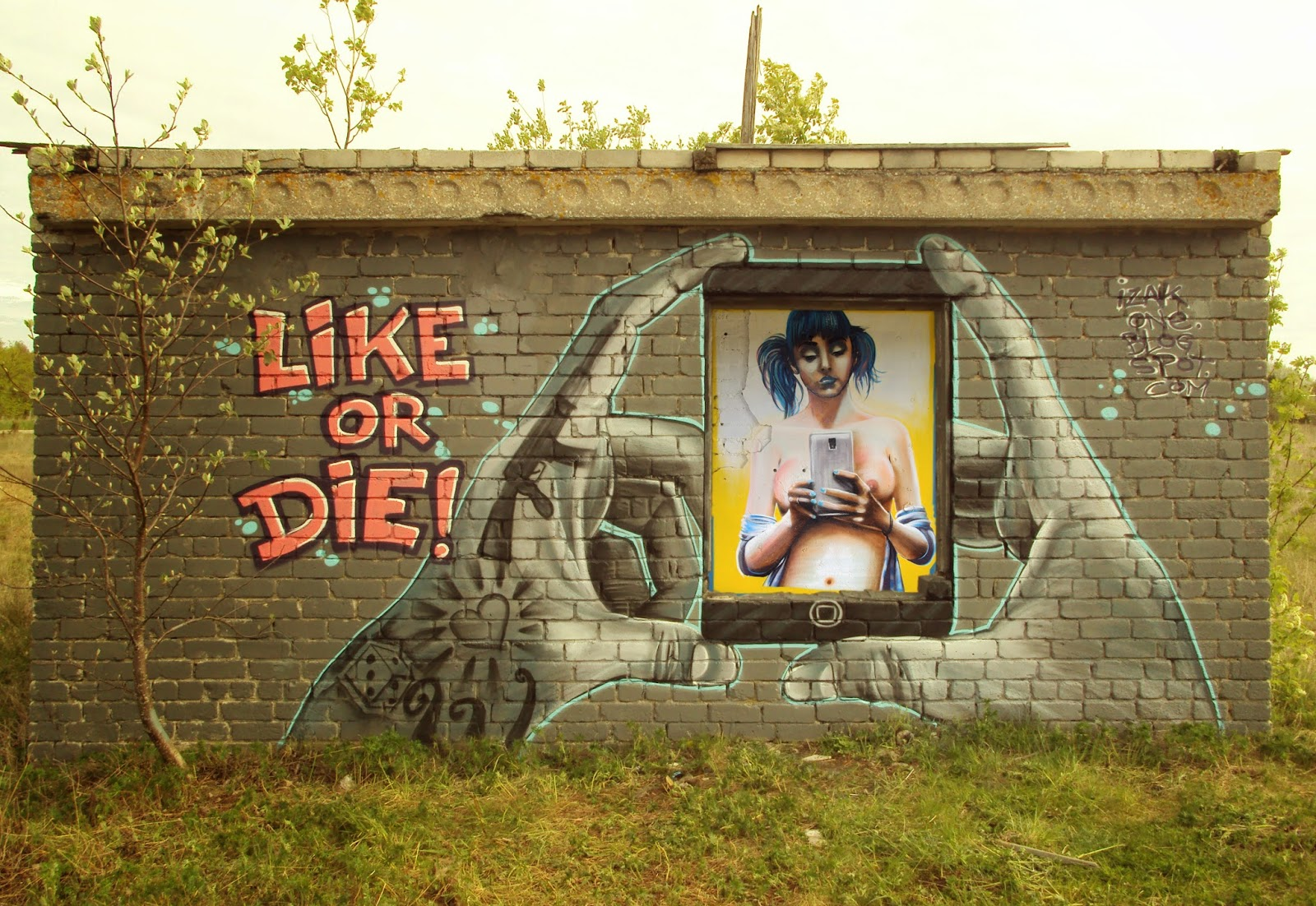 street art eesti, graffiti estonia, izak one, art, street art chile, street art, street art estonia, street art chile, sketch, graffiti, mural, like or die, izak, izak one