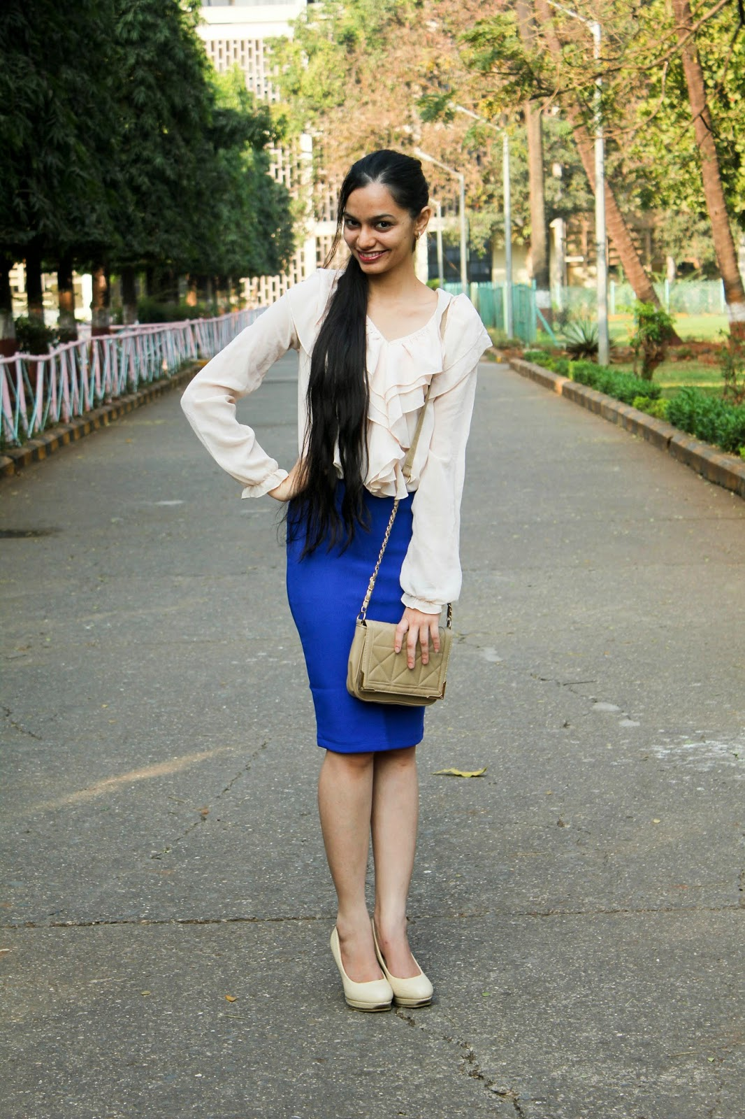 mumbai streetstyle, what to wear to work, officewear, workwear, how to wear a pencil skirt, how to wear a skirt to office, forever 21, what to buy in mumbai, mumbai streetstyle