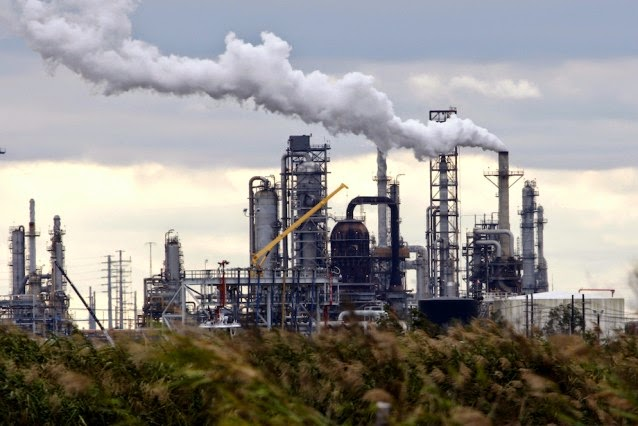 Total Petrochemicals' refinery in Port Arthur, Texas. (Credit: AP Photo / David J. Phillip) Click to enlarge.