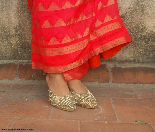 footwear for saree