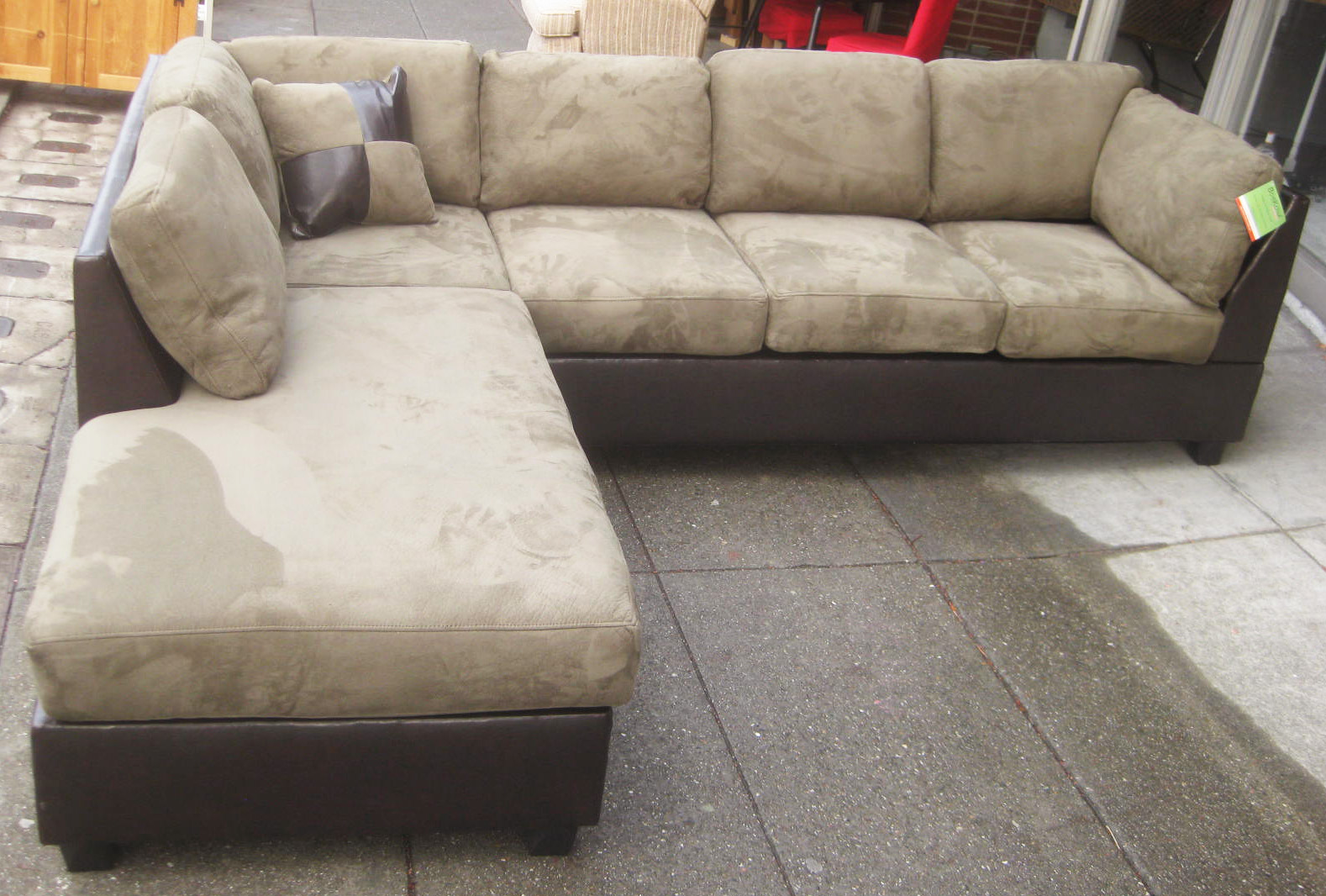 Sold Leather Microsuede Sectional Sofa 650