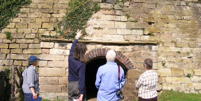 Old limekiln at Sandon