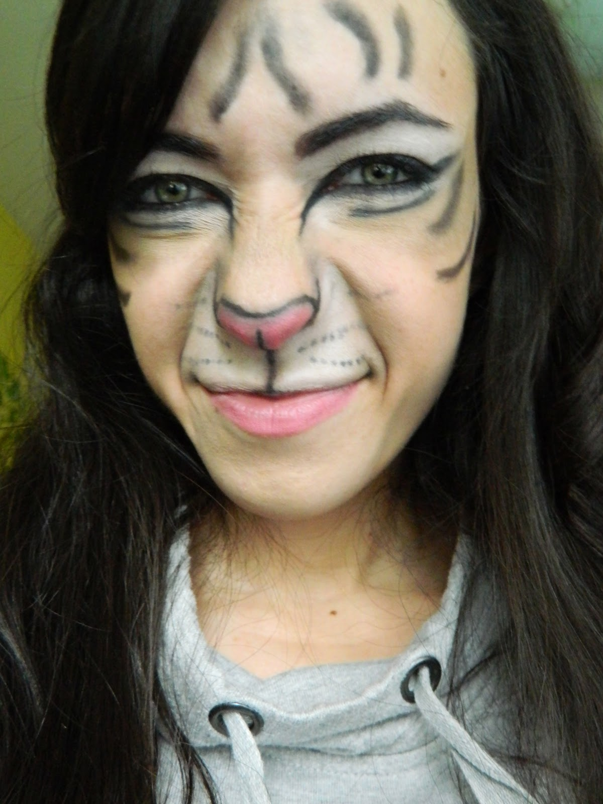 tiger eye makeup halloween