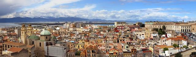 Panorámica de la ciudad de Cagliari en Italia