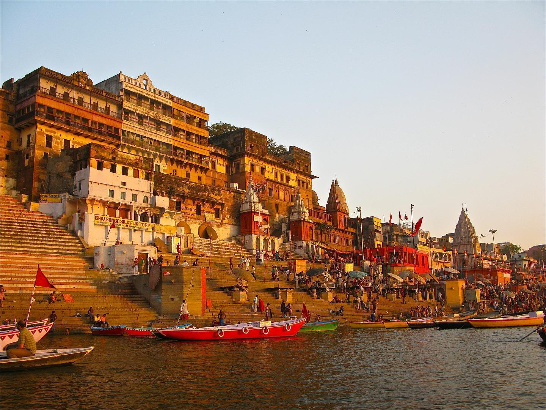 http://4.bp.blogspot.com/-NEU4rqt_QrM/TkeXDIcpnnI/AAAAAAAAErU/SM0hcA_8IN4/s1600/Ahilya_Ghat_by_the_Ganges%252C_Varanasi.jpg