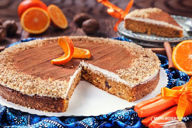 ciasto marchewkowe, ciasto z marchewką, ciasto z warzywami, warzywne ciasto, zdrowe ciasto, marchewka, ciasto z orzechami, ciasto z cynamonem, kraina miodem płynąca,