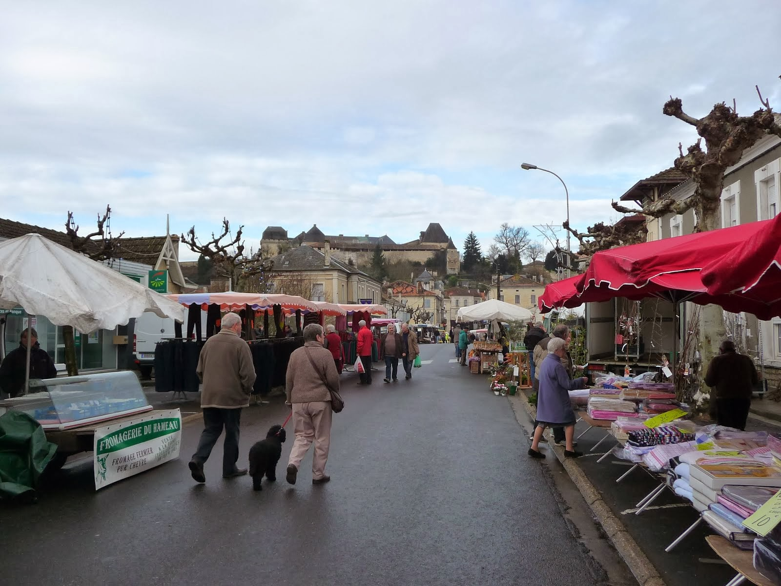 Another market view in Chalais