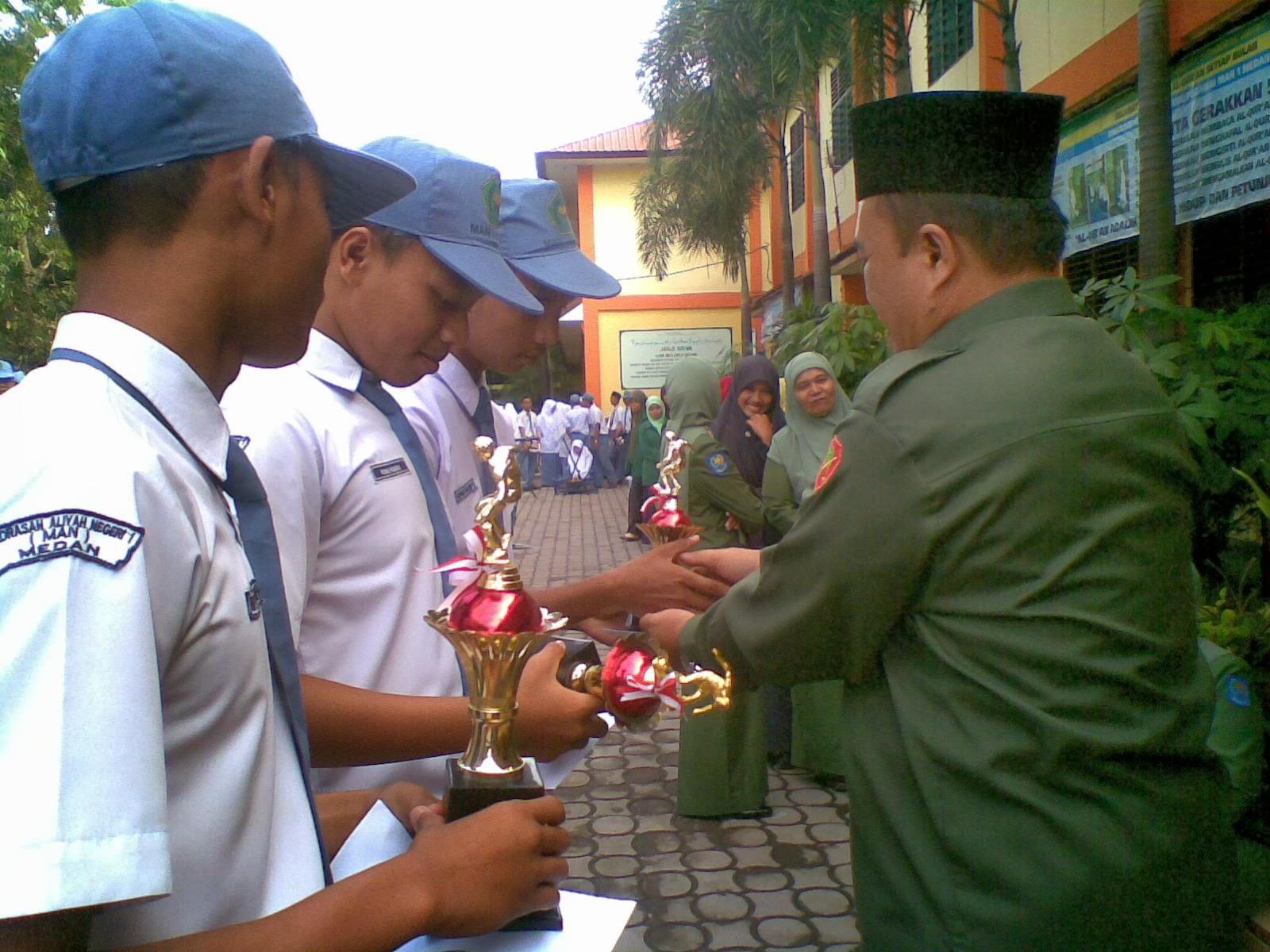 Madrasah Aliyah Negeri 1 Medan: PASUKAN PENGIBAR BENDERA MAN-1 MEDAN ...