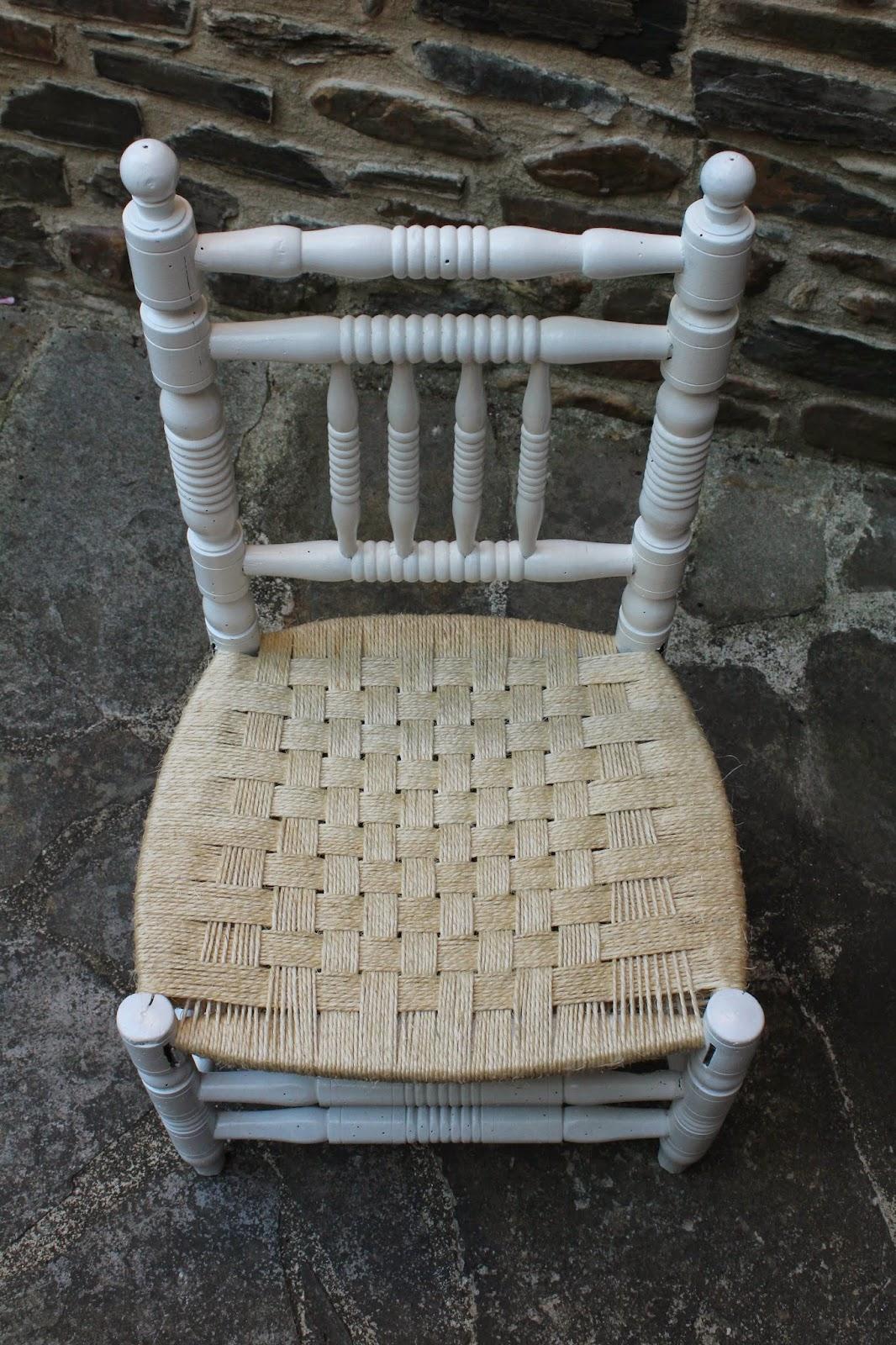 Gloria vintage silla con asiento de cuerda for Sillas blancas vintage