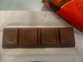 Godiva - Truffle Bars - Strawberry Flavour in Milk Chocolatr