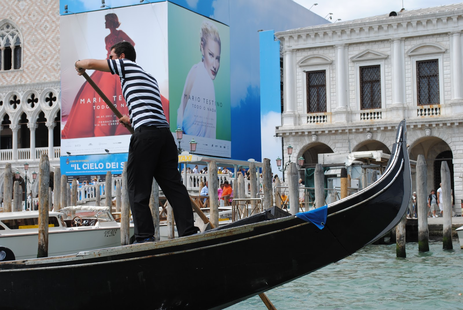 Royal caribbean diamond jubilee party a success cruise international - Carnival Breeze Will Depart On Its Inaugural Cruise From Venice This Sunday June 3 Operating A Special 12 Day Mediterranean Cruise That Ends In Barcelona