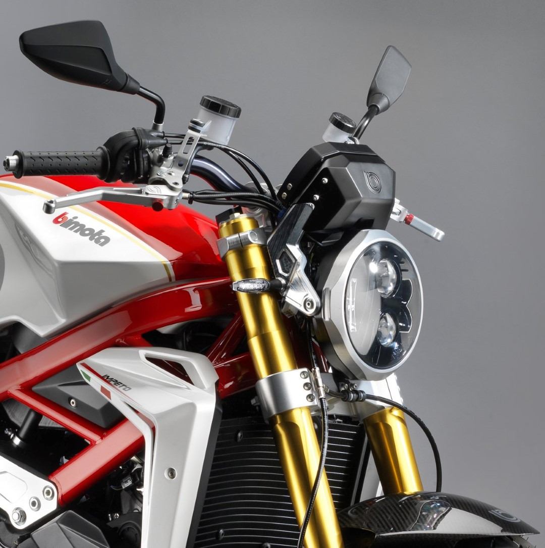 http://4.bp.blogspot.com/-NFSXN7b20rY/VpPLcJX4sTI/AAAAAAAAHTs/3Ssd8Es3cbU/s1600/2016-Bimota-Impeto-Debuts-At-EICMA-2015-with-additional-supercharger-Kit-Front.jpg