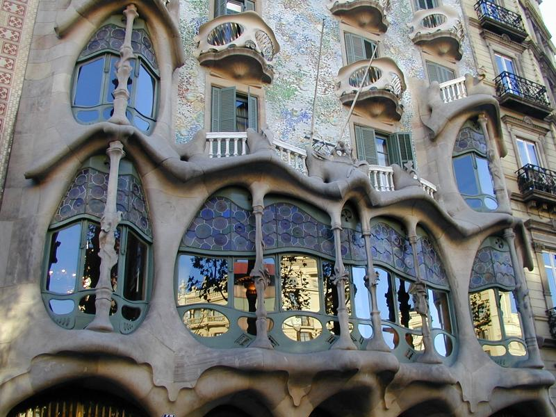 The delights of seeing art nouveau for Architecture gaudi