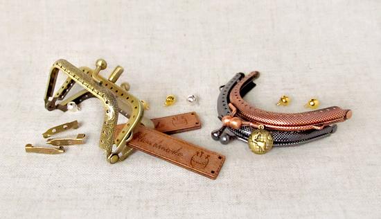 застежки-рамки, шармики, деревянные бирки