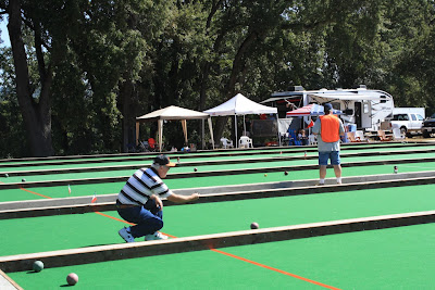bocce player with form