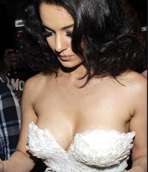 Sexy Hot Glamorous Actress Kangna Ranaut