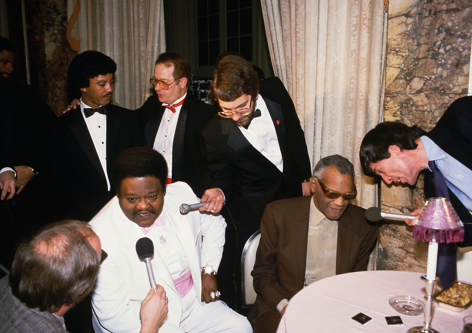 http://4.bp.blogspot.com/-NFw78PhV9F8/UP1YoDmy1xI/AAAAAAAAVFE/SAD5JlwA5ys/s1600/Event+-+Hall+of+Fame,+interviews+Fats+Domino,+Ray+Charles+-+19860123.JPG