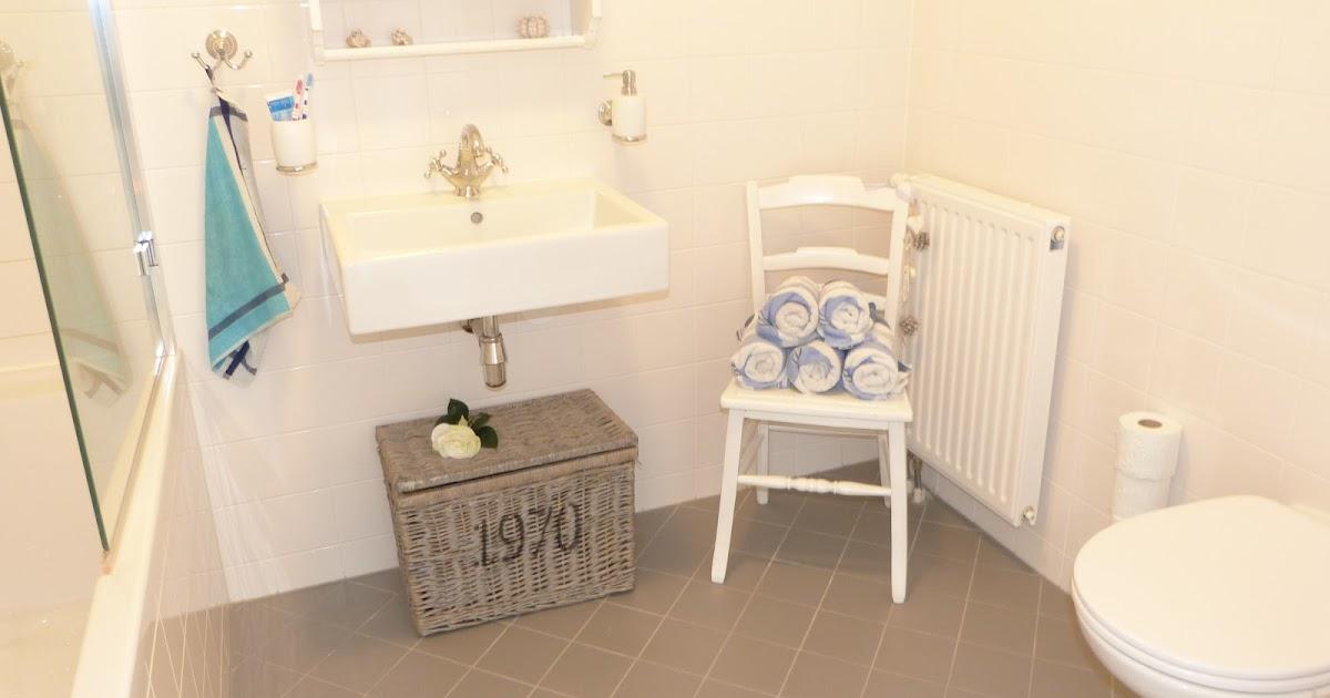 Het brocante schelpenhuisje tips sfeervolle badkamer met klein budget - Badkamer klein gebied m ...