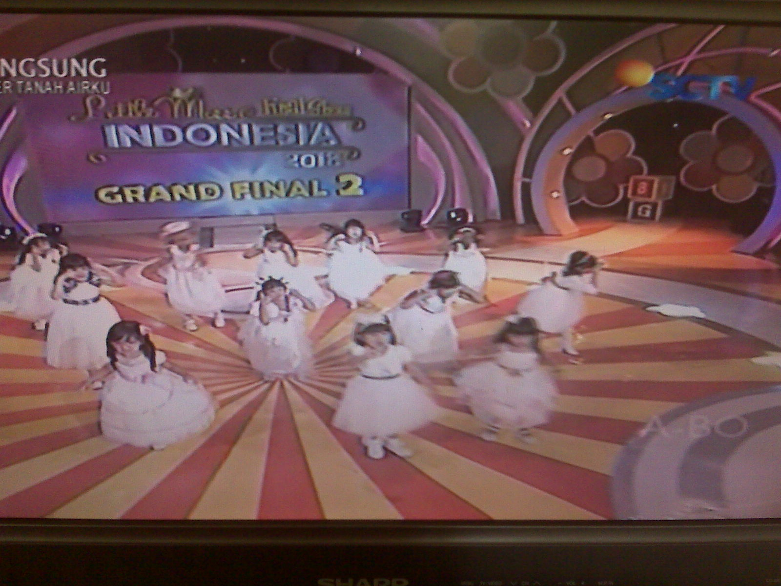 Tampilan Red Carpet grand final 2 little miss indonesia 2013
