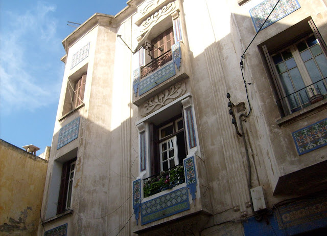 Casablanca twarz nr 1 – Białe brudne domy