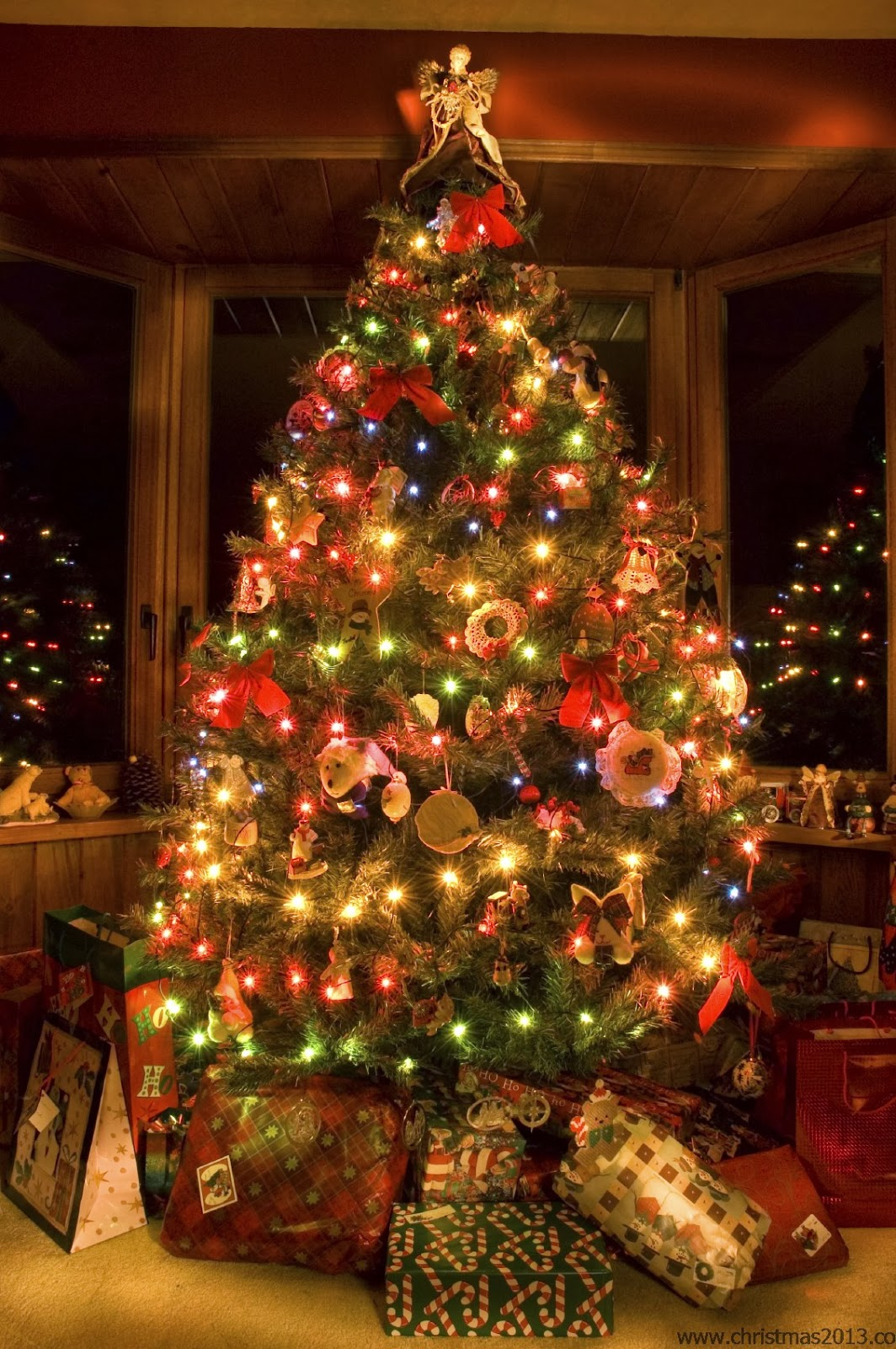 Beautiful christmas tree hd All free download  - beautiful christmas tree design wallpapers