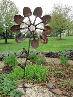 Ideas para Reciclar Herramientas de Jardin, Decoracion y Funcionalidad