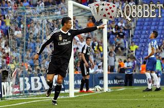 Liputan Bola - Real Madrid dipastikan tanpa gelar musim ini setelah gagal di tiga kompetisi yang diikuti.