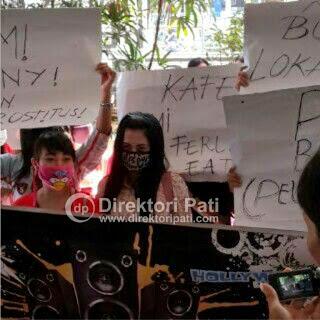 Foto Alasan Pemandu Karaoke (PK) Kudus Demo di DPRD