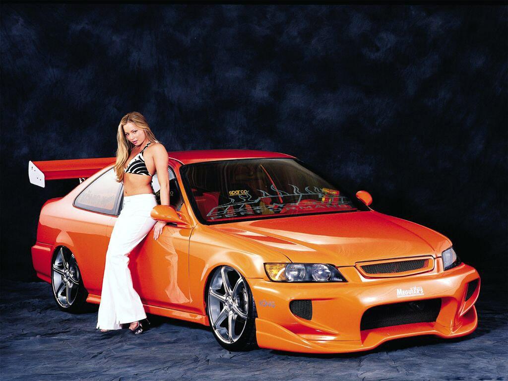 http://4.bp.blogspot.com/-NGo78fYp2b0/UQFUxY7-f9I/AAAAAAAAPWg/kssdoQwk6a0/s1600/girl_and_car_wallpaper_09-1024x768.jpg