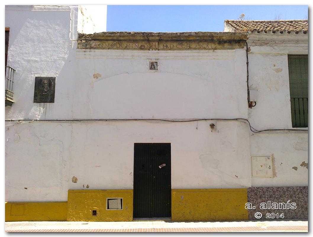 Fachada de domicilio particular. Calle Real Utrera, 1.