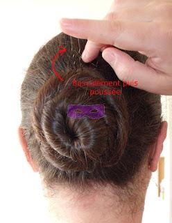 Comment+utiliser+une+%25C3%25A9pingle+%25C3%25A9tape+3+mille+et+une+1001+coiffure+coiffures+coifure+chignon+tuto+tutoriel.JPG